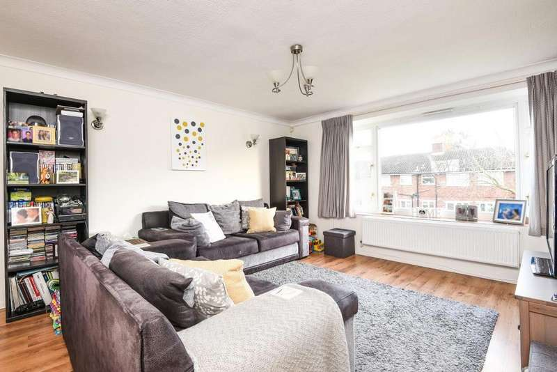 2 Bedrooms Maisonette Flat for sale in High Street, Southgate