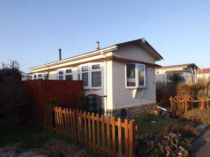 1 Bedroom Mobile Home for sale in Helston, Cornwall