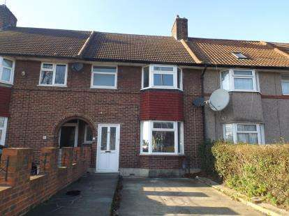 4 Bedrooms Terraced House for sale in Dagenham, London, United Kingdom