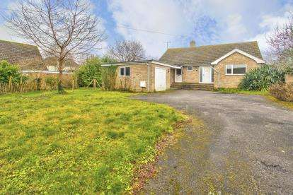 2 Bedrooms Bungalow for sale in Tunkers Lane, Bury, Ramsey, Huntingdon