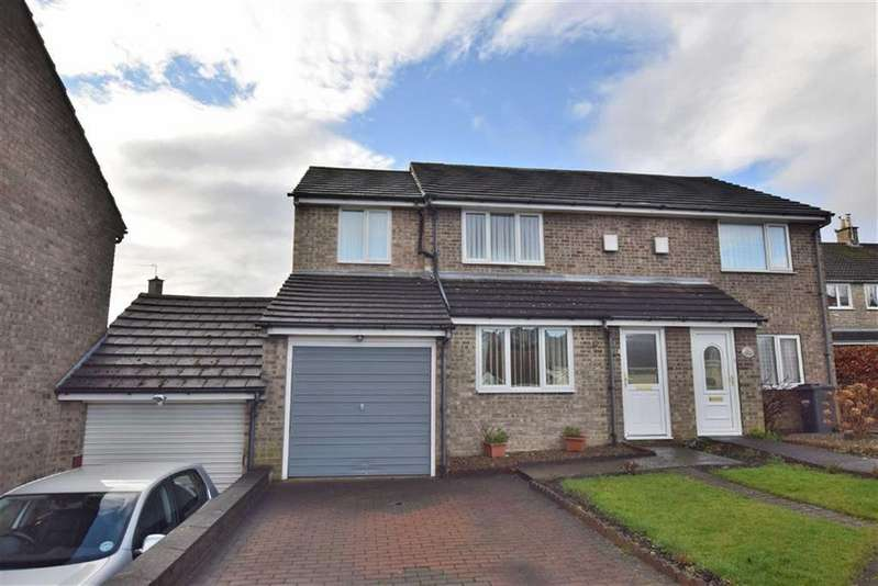 3 Bedrooms Terraced House for sale in Conan Drive, Richmond, North Yorkshire