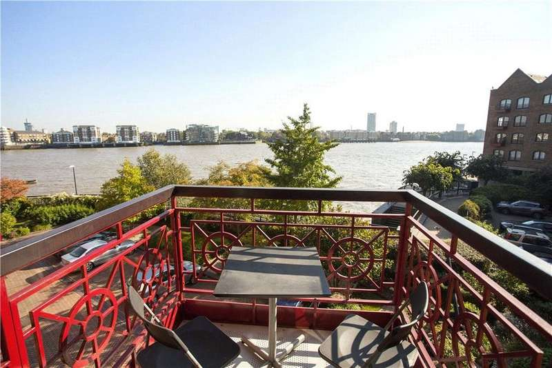 1 Bedroom Flat for sale in Trafalgar Court, Wapping Wall, London, E1W