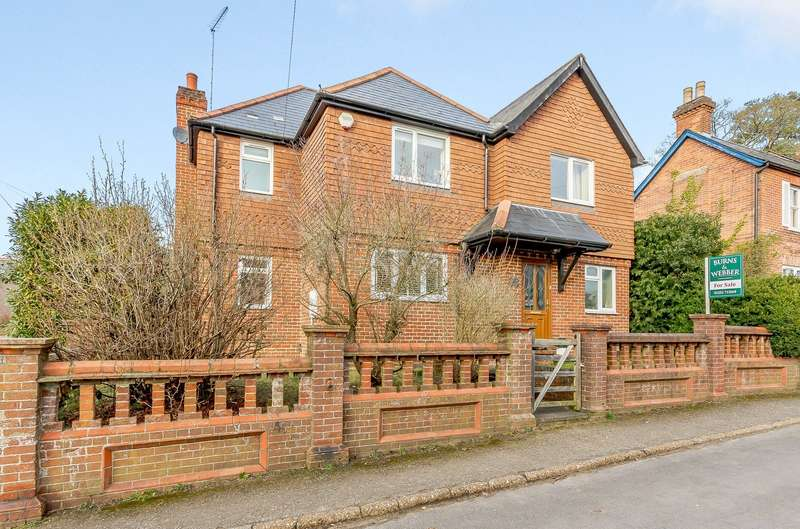 4 Bedrooms Detached House for sale in Frensham