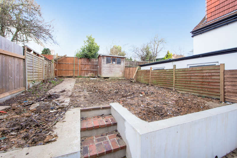 3 Bedrooms Terraced House for sale in Tokyngton Avenue, Wembley