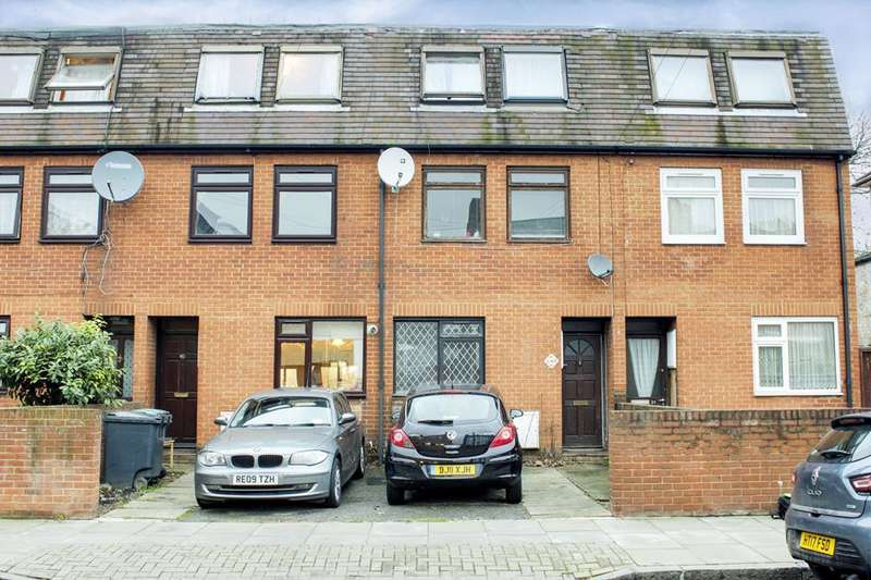 4 Bedrooms Property for sale in Canning Crescent, Wood Green, London, N22