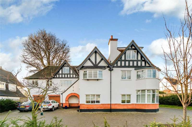 5 Bedrooms Detached House for sale in 2 North Park, Gerrards Cross, Buckinghamshire