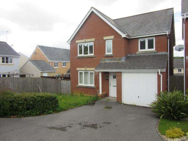 4 Bedrooms Detached House for rent in Llwyn Teg, Fforestfach, Swansea. SA5 4NF