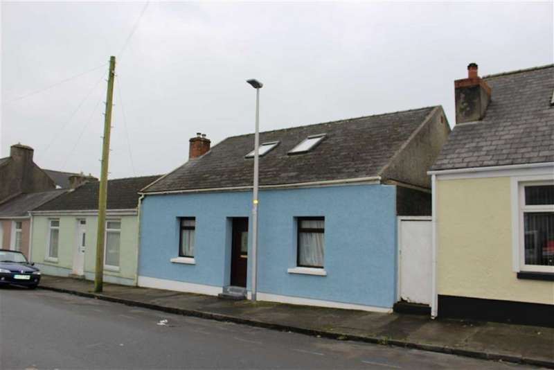 4 Bedrooms Semi Detached House for sale in Military Road, Pennar, Pembroke Dock