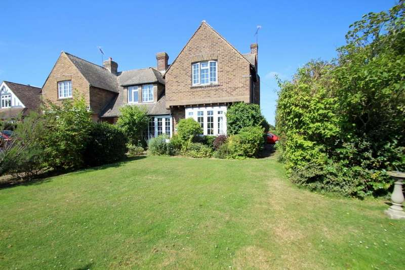 3 Bedrooms Semi Detached House for sale in North Lane, Rustington