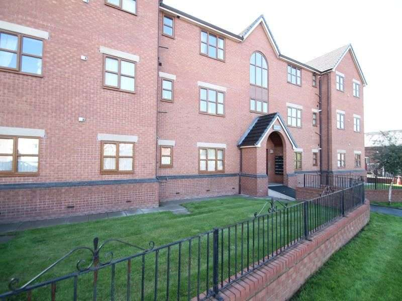 2 Bedrooms Flat for sale in Baron Street, Bury, BL9