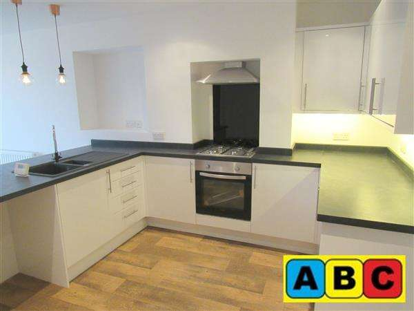 3 Bedrooms Semi Detached House for rent in Cranfield Road, Crosby