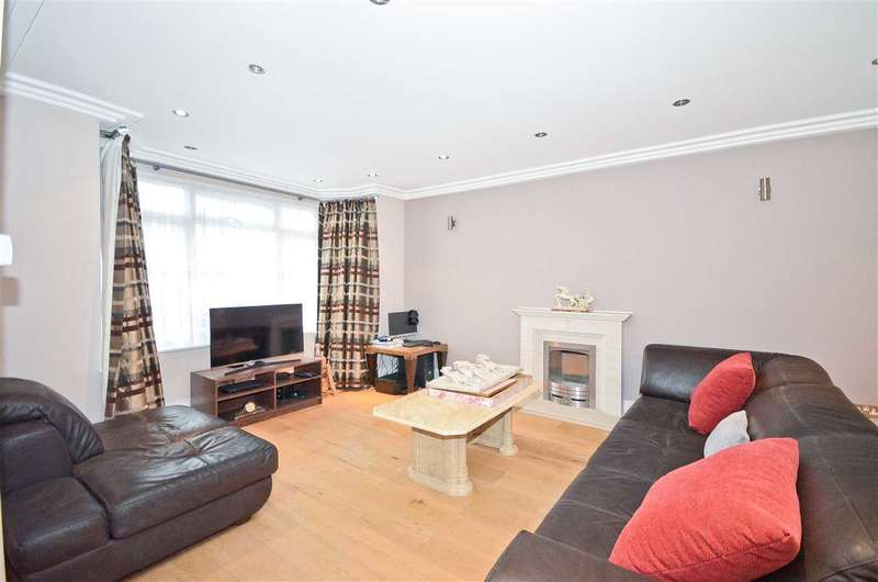 5 Bedrooms Detached House for rent in Summit Close, Southgate, N14