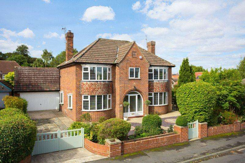 4 Bedrooms Detached House for sale in Chantry Grove, Upper Poppleton, York, YO26