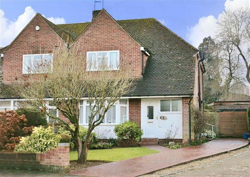 3 Bedrooms Semi Detached House for sale in Brenda Close, Banbury