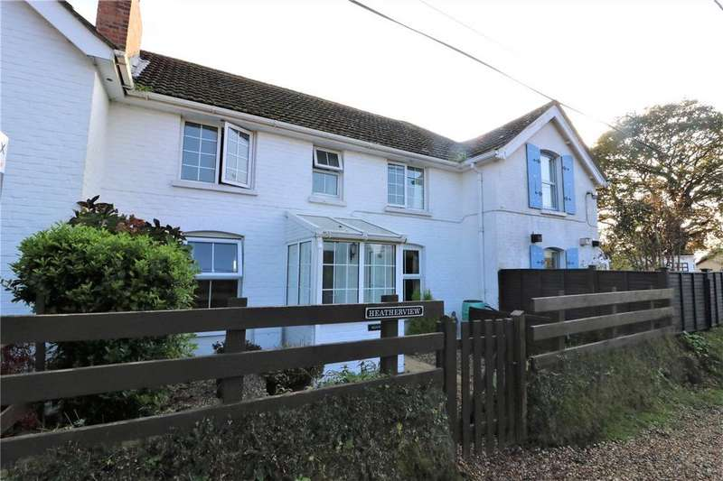 2 Bedrooms Terraced House for sale in Heatherview, Chapel Lane, Sway, Lymington, SO41