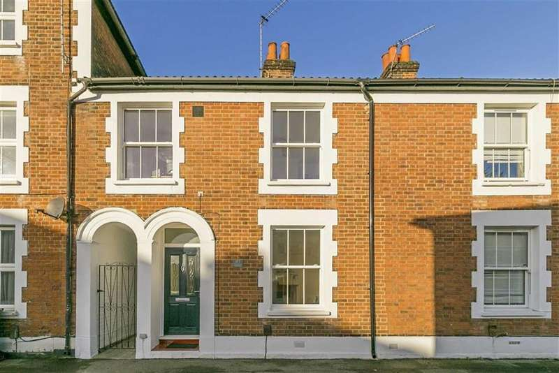 3 Bedrooms Terraced House for sale in Adelphi Road, Epsom, Surrey