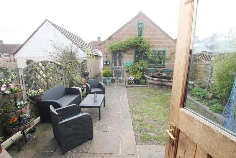3 Bedrooms Semi Detached House for rent in Chalkpit Lane