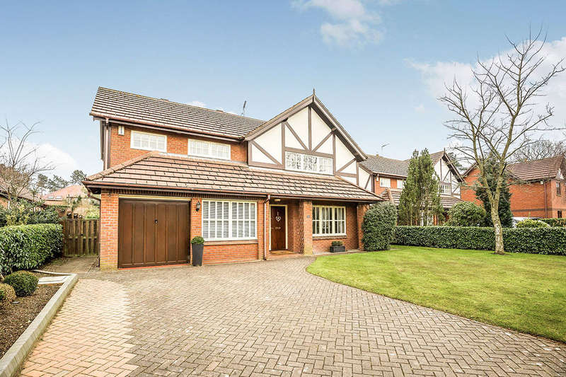 5 Bedrooms Detached House for sale in St. Johns Way, Sandiway, Northwich, CW8
