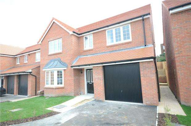 5 Bedrooms Detached House for sale in Wellswood Park, Reading, Berkshire