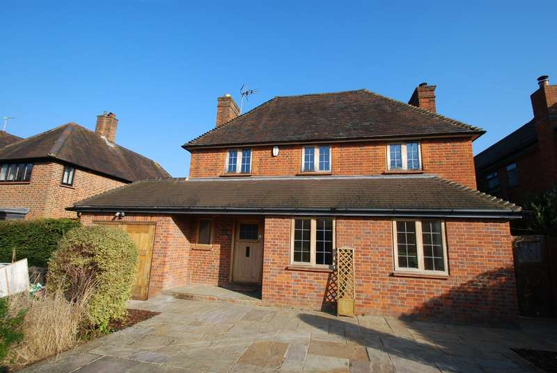 4 Bedrooms Detached House for rent in Woodside Road, Beaconsfield, HP9