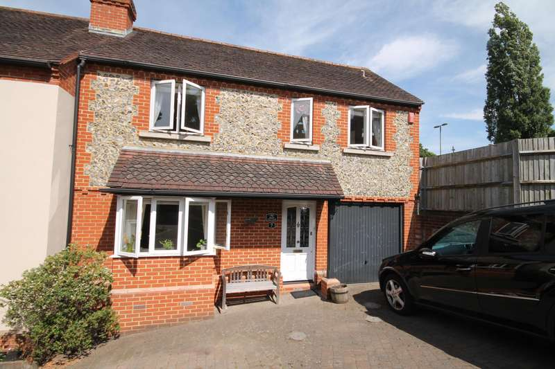 2 Bedrooms Terraced House for rent in Rose Hill Arch Mews, Rose Hill, Dorking, Surrey, RH4