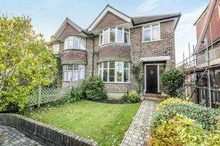 4 Bedrooms Semi Detached House for sale in Redstone Park, Redhill, Surrey