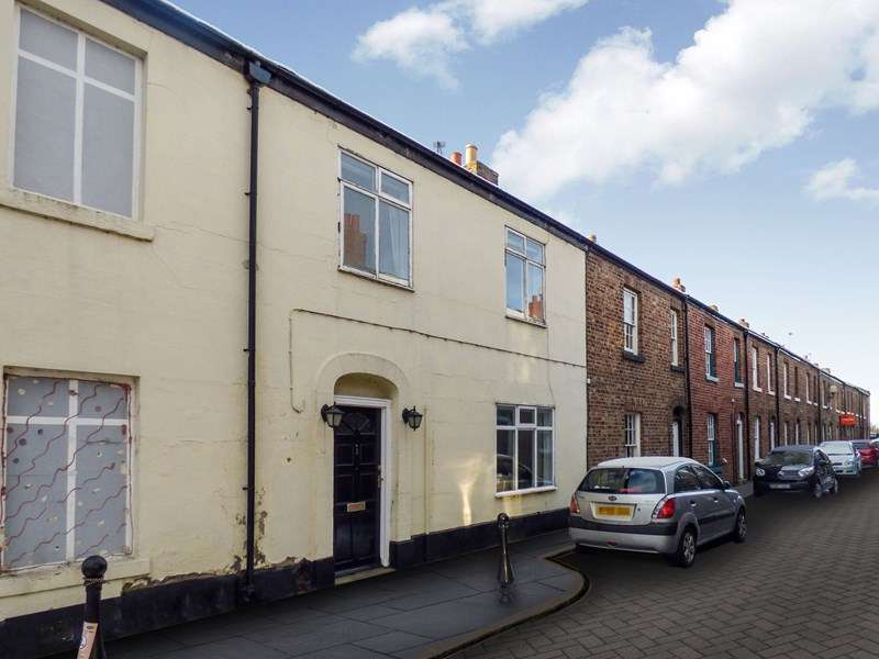 3 Bedrooms Property for sale in Magdalene Street, Gilesgate, Durham, Durham, DH1 1LG