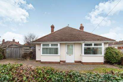 4 Bedrooms Bungalow for sale in Bury St Edmunds, Suffolk