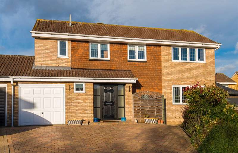 4 Bedrooms Detached House for sale in Lower Shott, Cheshunt, Waltham Cross, Hertfordshire