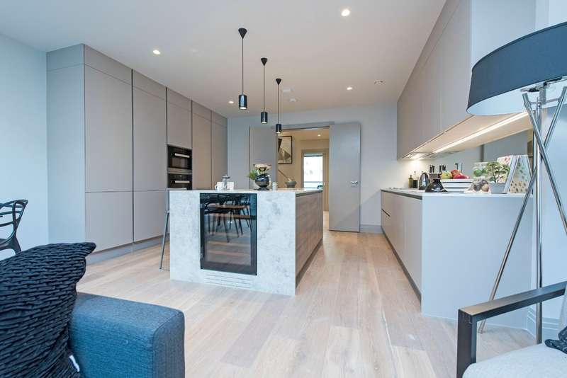 4 Bedrooms Terraced House for sale in Bolingbroke Terrace, Battersea, London