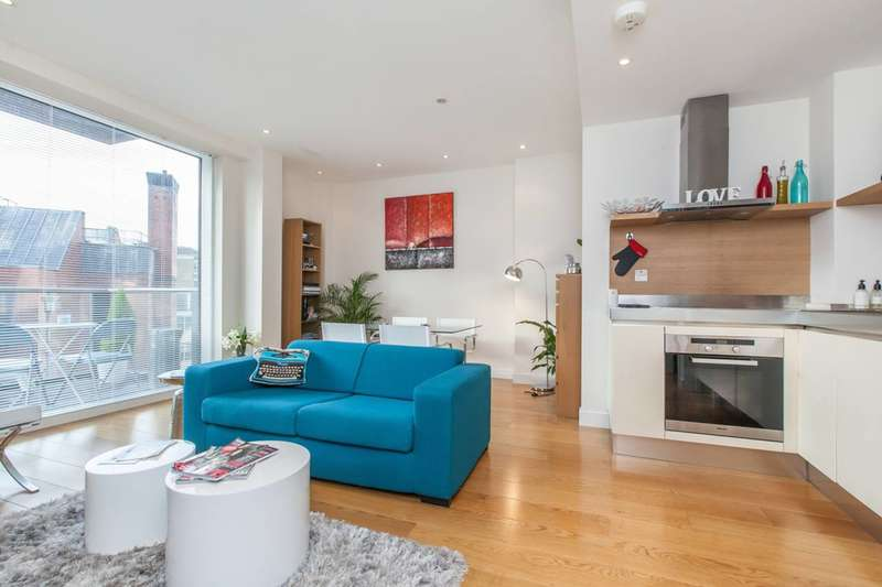 2 Bedrooms Flat for sale in Grosvenor Waterside, Pimlico, SW1W