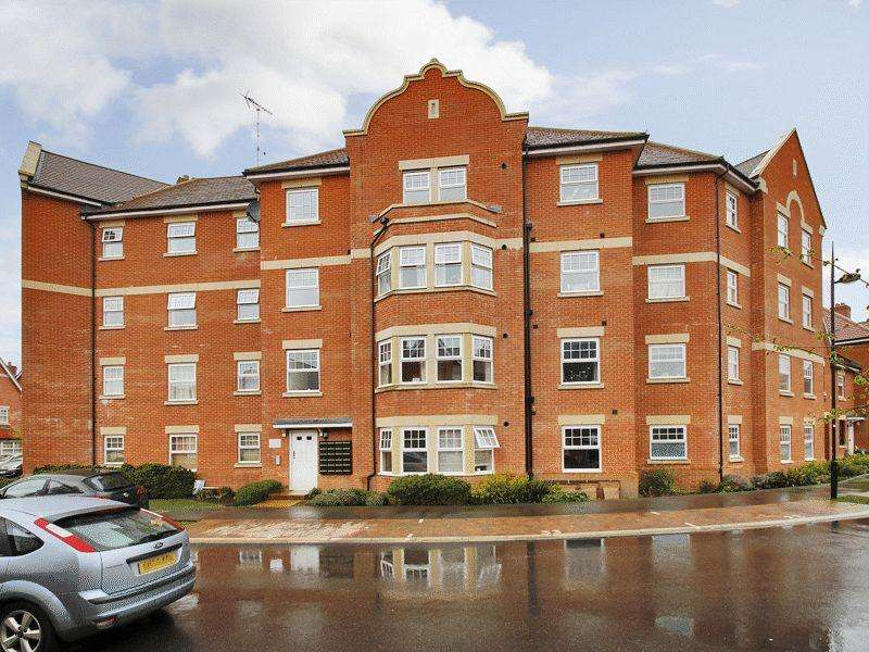 2 Bedrooms Apartment Flat for rent in Reid Crescent, Hellingly, Hailsham