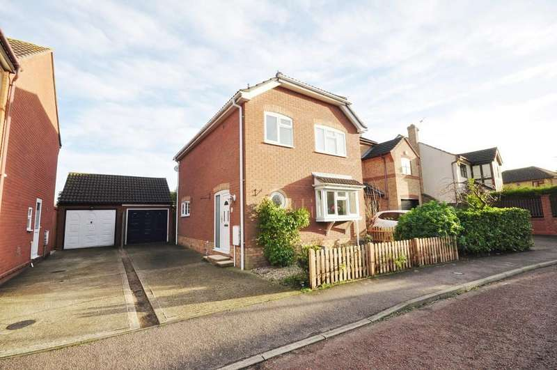 3 Bedrooms Detached House for sale in Beaumont Close, Colchester, CO4 5XE