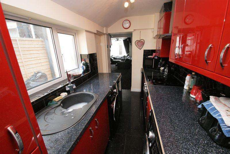 4 Bedrooms Terraced House for sale in Fife Street, Middlesbrough