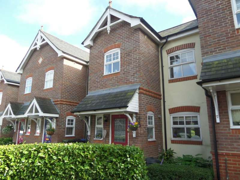 4 Bedrooms Terraced House for sale in Kingsclere Place, Enfield, EN2