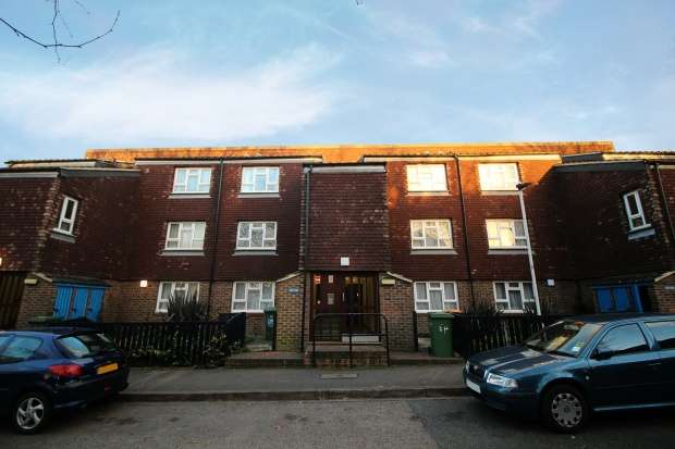 1 Bedroom Flat for sale in Lawson Close, London, Greater London, E16 3LU