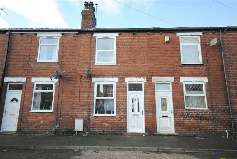 2 Bedrooms Terraced House for sale in School Street, Castleford, Castleford, WF10