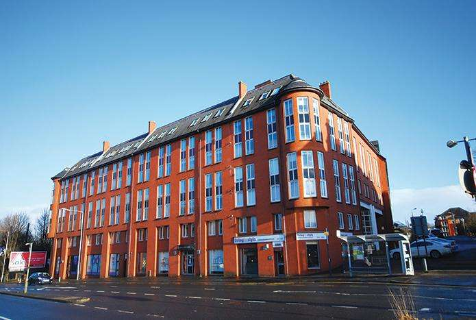2 Bedrooms Flat for sale in 3 Randolph Gate, Broomhill, G11 7DH