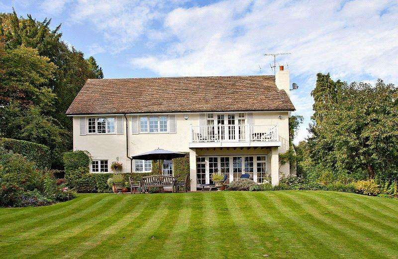 5 Bedrooms Detached House for sale in Woodlands Road, Harpsden, Henley-on-Thames, RG9