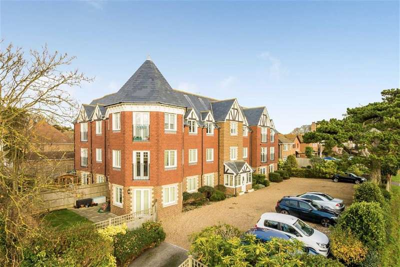 2 Bedrooms Flat for sale in Belgrave Place, Seaford, East Sussex
