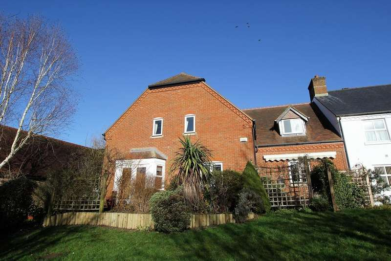 3 Bedrooms Mews House for sale in Cromwell Gardens, Steeple Drive, ALTON, Hampshire