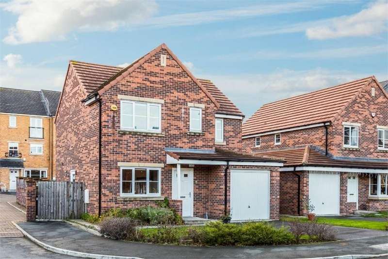 4 Bedrooms Detached House for sale in Hawthorn Lane, CLECKHEATON, West Yorkshire