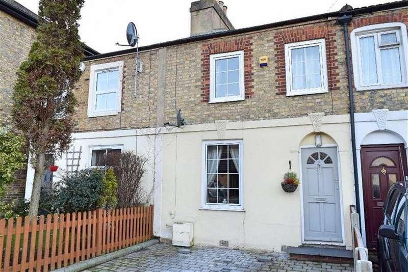 3 Bedrooms Terraced House for sale in Grove Road, Sevenoaks, TN14