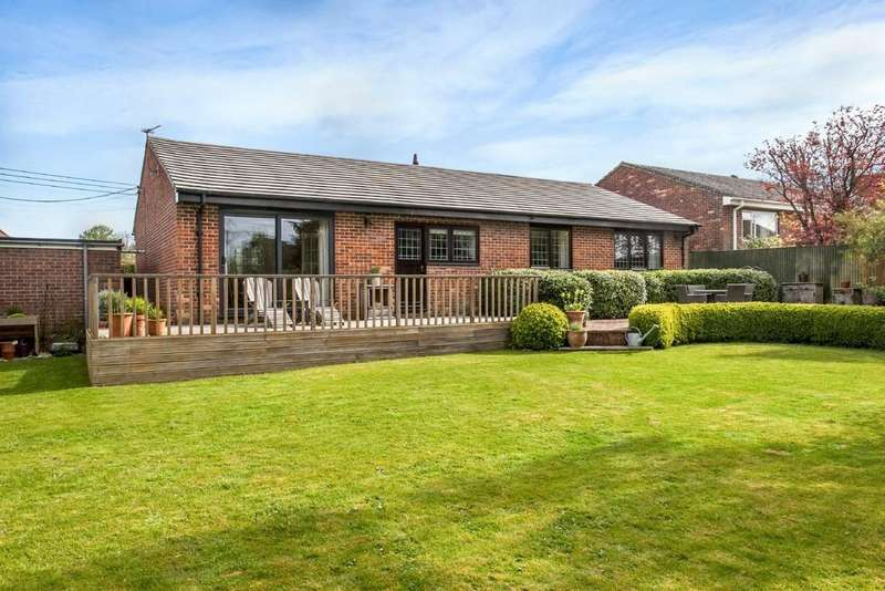 4 Bedrooms Detached Bungalow for sale in Broad View Lane, Oliver's Battery, Winchester, SO22