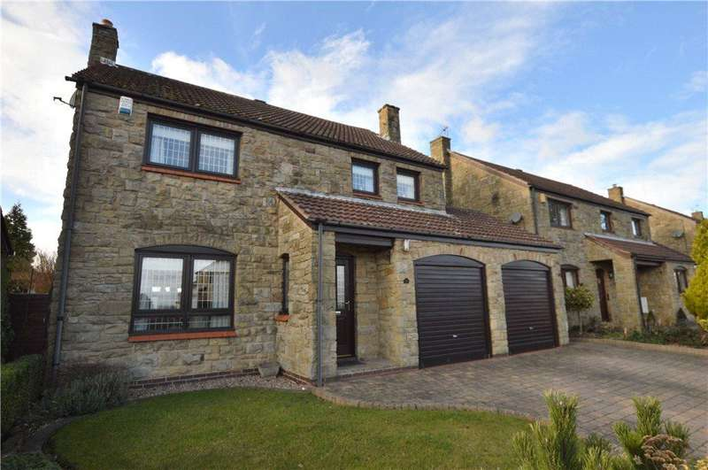 4 Bedrooms Detached House for sale in Huntsmans Way, Badsworth, Pontefract, West Yorkshire