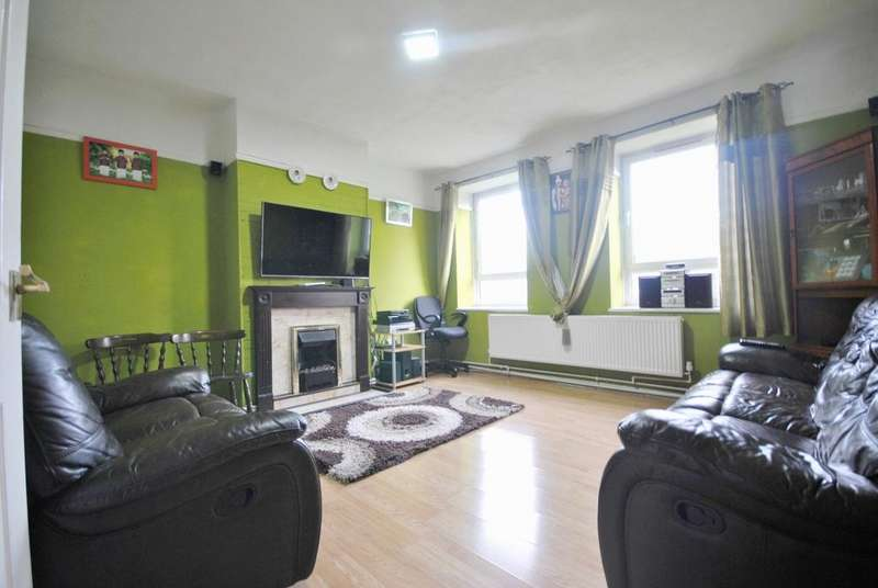 3 Bedrooms Flat for sale in Brangbourne Road Bromley BR1