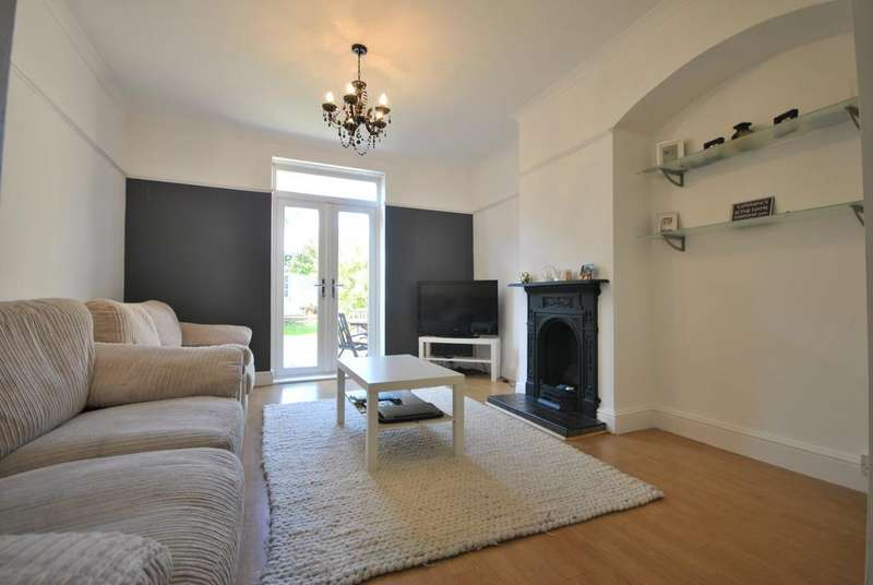 3 Bedrooms Terraced House for sale in Geraint Road Bromley BR1