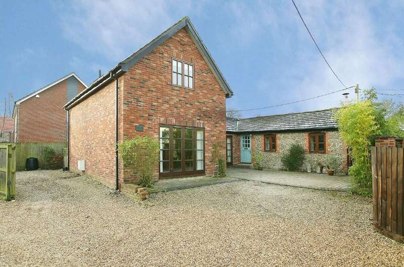 4 Bedrooms Barn Conversion Character Property for sale in Dereham Road, Scarning