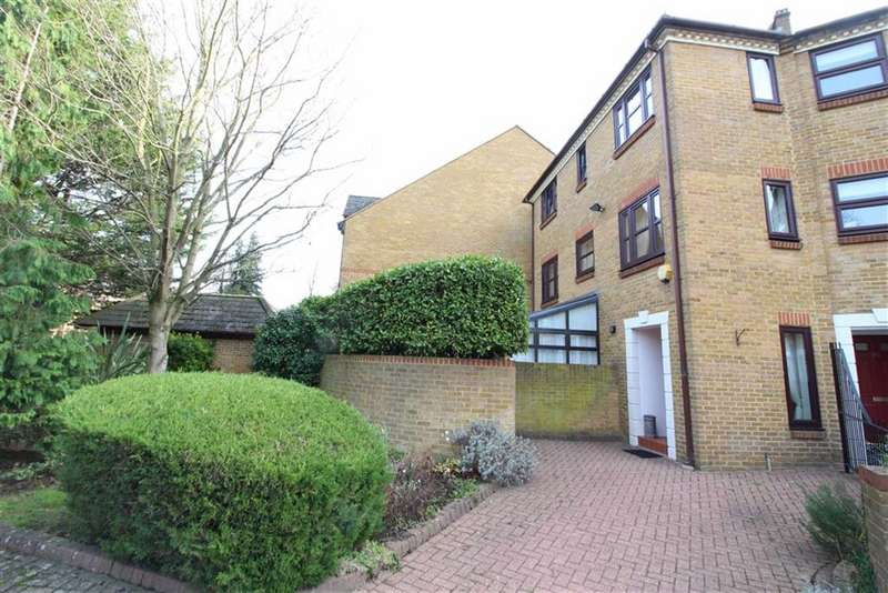 3 Bedrooms Town House for sale in Albemarle Park, Albemarle Road, Beckenham, BR3