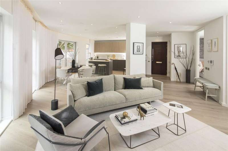 2 Bedrooms Flat for sale in Bourne, Dobson Court, Bourne Estate, London, EC1N